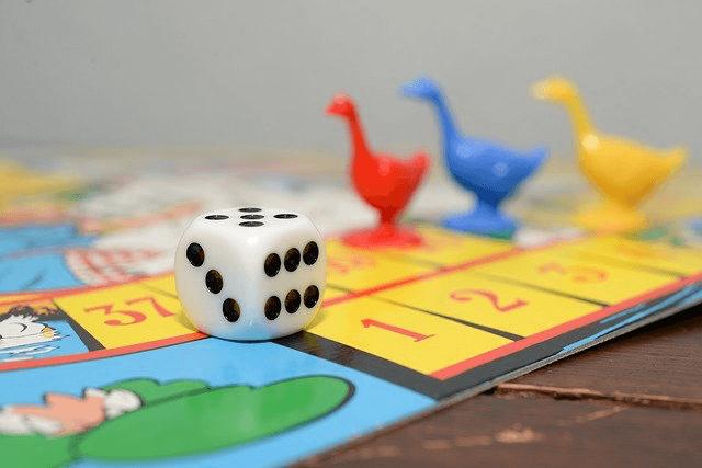 Gry planszowe wspomagające naukę języka angielskiego - najciekawsze propozycje dla dorosłych i dzieci