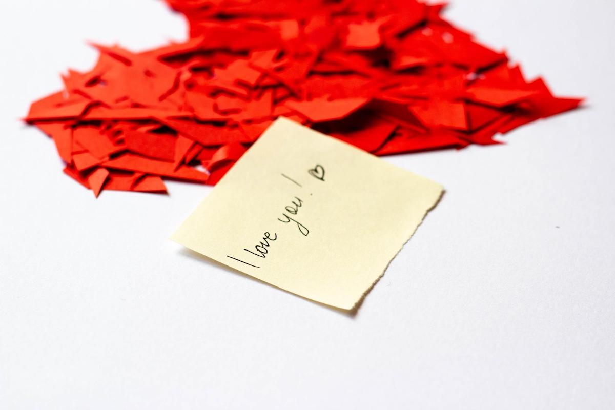 """Słowo """"miłość"""" w różnych językach świata"""