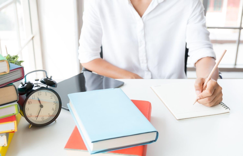 Wstecz - Jak napisać artykuł po angielsku?